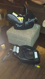 Maxi-Cosi car seat with Easy-Fix base used un good condition complete set
