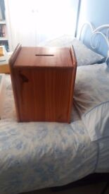 Pine Storage Seat