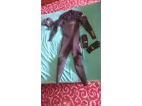 XCEL wetsuit 4.3 size S