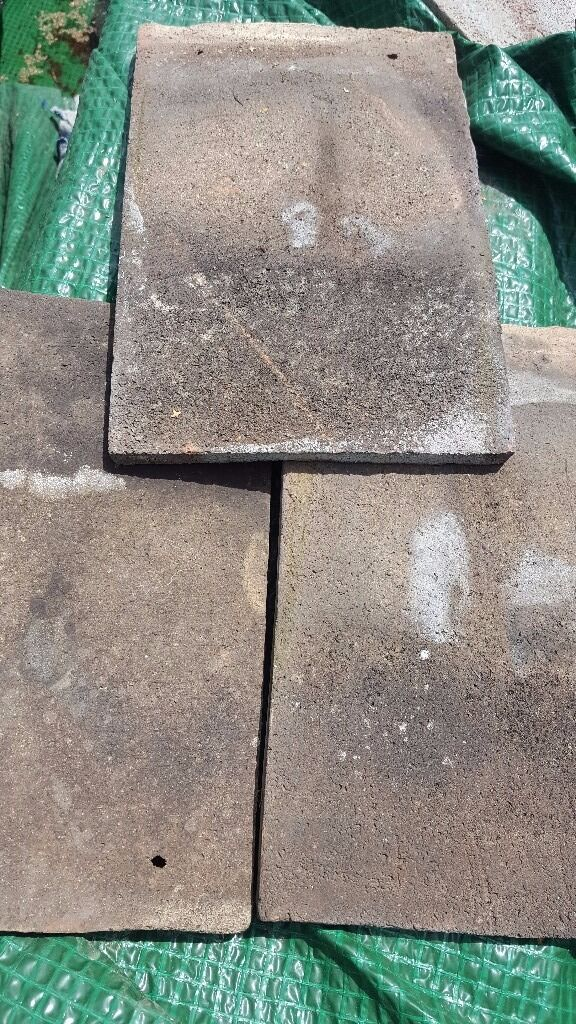 Approx 750 Clay Peg Roof Tiles, also a few dozen hips