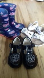 Girls shoes size 4 child