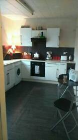 2 bedroom house to let shipley BD18 2HU