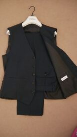 3 Piece Limehaus Slim Fit Suit (38 Reg, 32 waist)