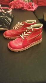 Red kickers