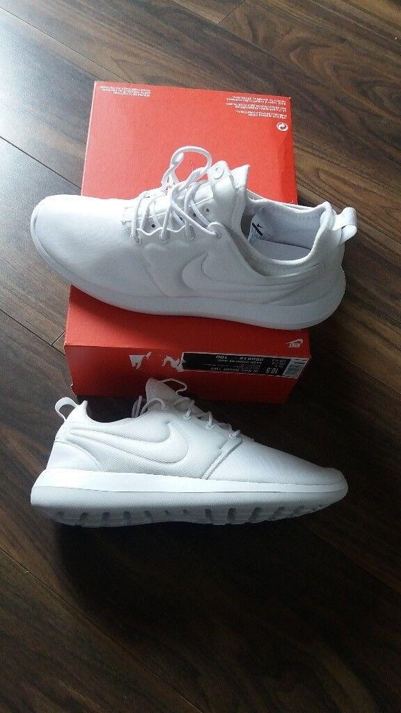 Nike roshe two new. Uk 8  7b74f2a27f