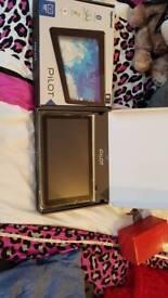 Hipstreet pilot 10 inch LCD tablet 8 gb