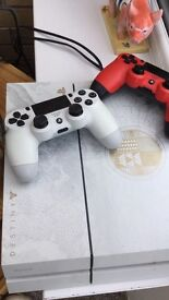 PS4 LIMITED EDITION WHITE , 2WIRELESS REMOTES