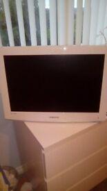 """Samsung 24"""" white tv"""