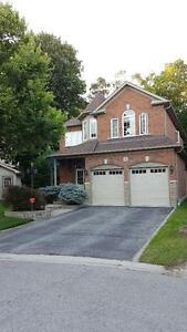SPACIOUS RENOVATED 5 BEDROOM 3.5 BATHROOM HOUSE IN WHITBY