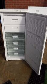 **OCEAN**FREESTANDING FREEZER**ONLY £90**FROST FREE**FULLY WORKING**COLLECTION\DELIVERY**BARGAIN**
