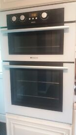 Double hotpoint wall oven and grill
