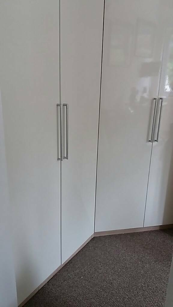 A corner wardrobe and double wardrobe wrote glossin Cambridge, CambridgeshireGumtree - two superb high gloss modern wardrobes. One fits into a corner and the other goes next to it. selling due to move of house. 90cm wide each wardrobe