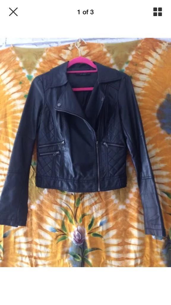 DOROTHY PERKINS Size 8 Black Leather Jacketin Washington, Tyne and WearGumtree - Dorothy Perkins Black Leather Long Sleeve Jacket With Zip Pockets Size 8Good Condition