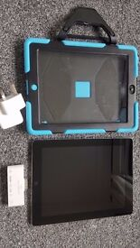 Apple Ipad 2 16GB WIFI with case, charger and camera connection kit