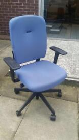 10 x high quality senator branded office swivel chairs on clearance & reduced again £30 each