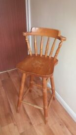 4x Matching solid wooden stools