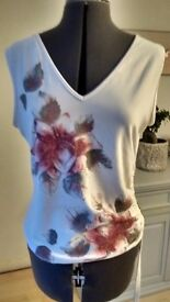 Ladies Wallis top, size 14