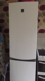 Zanussi fridge freezer 60 cm wide 200 cm tall 18 months old