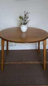 Small Round Wing Table