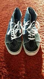 Mens Vans in great condition. Size 11.5