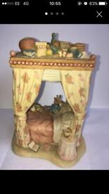 Brambly hedge canopy bed BH134