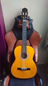 Chantry 2460 Classical Guitar excellent condition