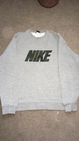 Men's Xl Nike camo sweatshirt £10