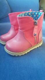Baby Girls boots, Next size 4