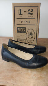 Black flat shoes size 6 - Shoe Embassy