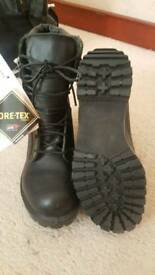 Size 5 New British Army Gore-tex Combat Assault Boots