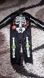 Skelton haloween costume