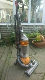 Dyson dc 25 ball vac excellent condition