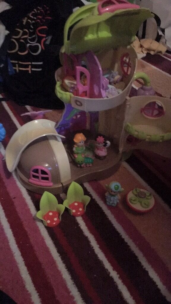 Elc fairy and elf boot house,excellent condition
