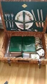 Amberley luxury picnic set