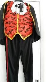 Halloween costume age 5/6 dracula