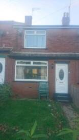 2 bed house to let LS10. Cul-de-sac, Private landlord