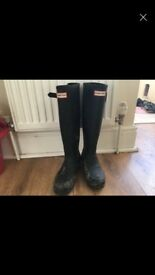 Navy Hunter Wellington boots