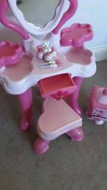Little girls dressing table