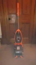 Vax upright carpet shampooer. As new!