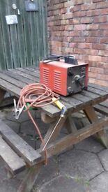 Working Electrical Arc welder