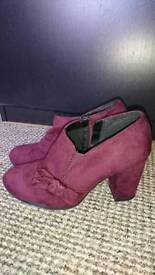 Plum/burgundy ankle shoes with heels