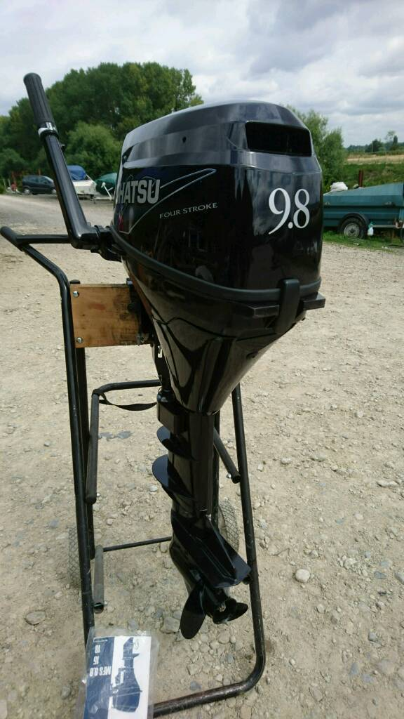 Tohatsu 9.8 4 stroke outboard enginein Pershore, WorcestershireGumtree - Tohatsu 9.8 4 stroke outboard engineLong shaft twist and goElectric start and pull start model2012 model.Immaculate conditionForward and neutral gears and reverseFully serviced and ready to goIncludes tank and lineJust serviced.Runs...