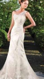 Excellent condition wedding dress for sale