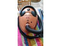 Dirt devil vacuum cleaner (2000 Watt)