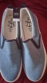 Next deck shoes