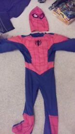 SPIDERMAN DRESSING UP COSTUME