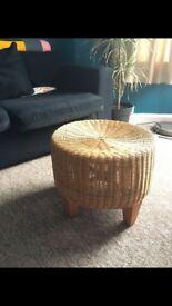 Wicker seat / side table