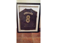 Signed & framed Steven Gerrard 08/09 european away top