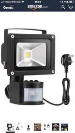 Warmoon 10W LED Motion Sensor Light Super Bright Outdoor LED Flood Lights Waterproof Security