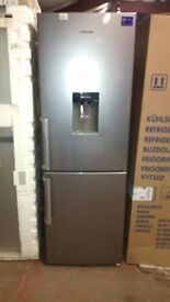 SAMSUNG Fridge Freezer slightly marked Ex display